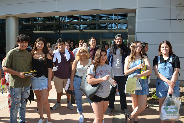 Students in front of Crafton Center