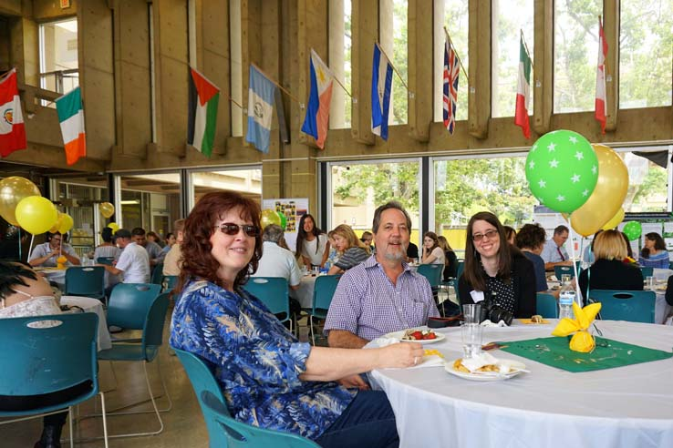 People enjoying the College Honors Institute Luncheon
