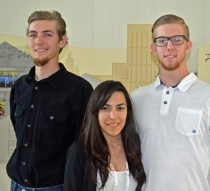 Three students in the College Honors Institute program.